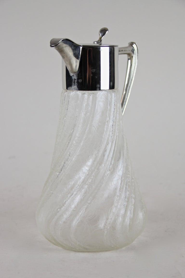 Art Nouveau Ice Glass Carafe, Austria, circa 1915 For Sale 1