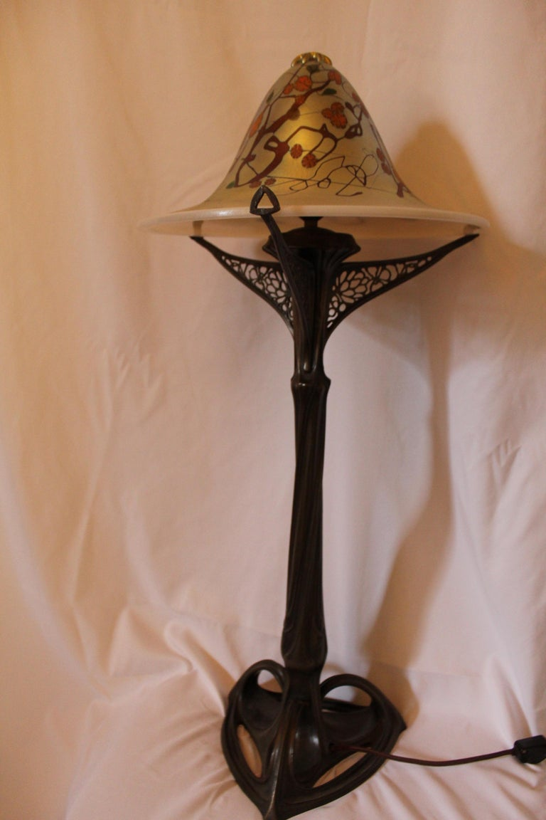 Art Nouveau Lamp, Art Glass Shade, Bronze Casting, after Louis Majorelle In Excellent Condition For Sale In Los Angeles, CA