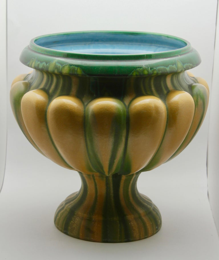 Art Nouveau Large Ceramic Jardinière on Stand, Belgium, Excellent Condition In Good Condition For Sale In Verviers, BE
