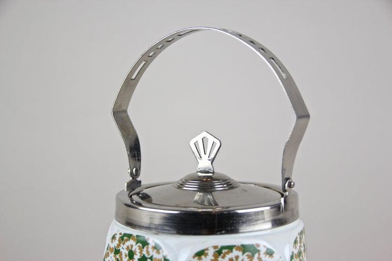 Art Nouveau Lidded Ceramic Jar, Austria, circa 1915 For Sale 1
