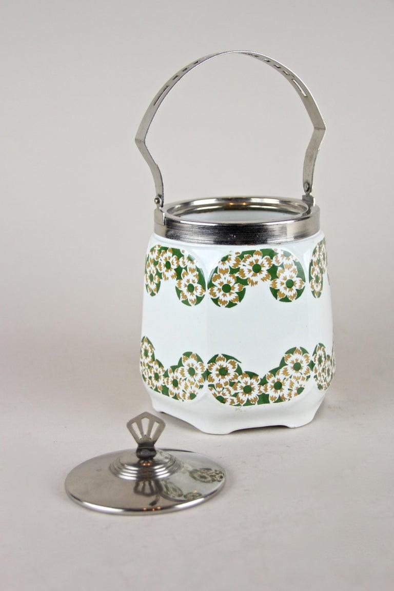 Art Nouveau Lidded Ceramic Jar, Austria, circa 1915 For Sale 2