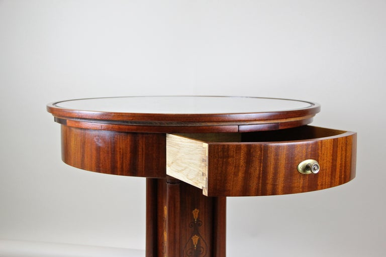 Art Nouveau Mahogany Gaming Table with Hammered Brass Base, Austria, circa 1910 For Sale 1