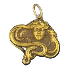 Art Nouveau Maiden Woman Pendant Necklace 14 Karat Gold Flowing Hair
