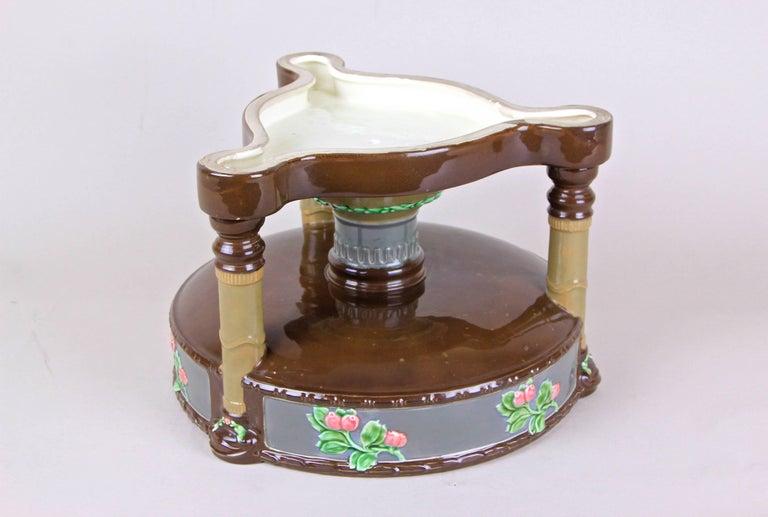 Art Nouveau Majolica Centerpiece Bowl by Eichwald, Bohemia, circa 1910 For Sale 2