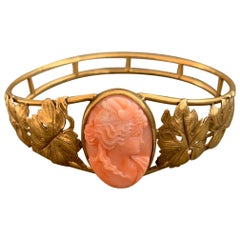 Art Nouveau Mediterranean Salmon Coral Cameo 14 Karat Gold Bangle
