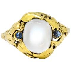 Art Nouveau Moonstone Sapphire 14 Karat Gold Ring, circa 1905