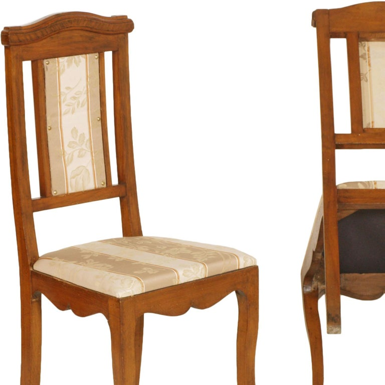 Art Nouveau Pair of Side Chairs in Walnut, Restored, New Upholstered For Sale 1