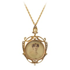 Art Nouveau Pearl Diamond Double Side Picture Locket Pendant 18K Gold circa 1900