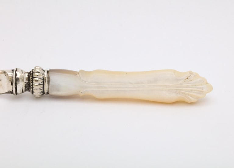 Art Nouveau Period Sterling Silver and Mother-of-Pearl Letter Opener/Paper Knife For Sale 5