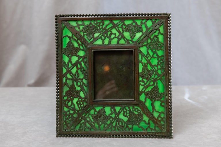Art Nouveau Picture Frame, Signed Tiffany Studios, Grapevine Pattern, circa 1910 In Excellent Condition For Sale In San Rafael, CA