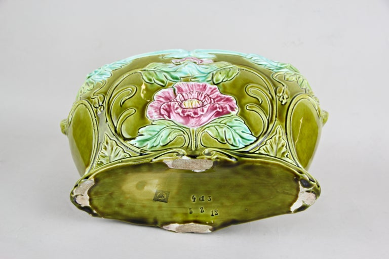 Art Nouveau Planter or Jardinière Floral, France, circa 1910 For Sale 3