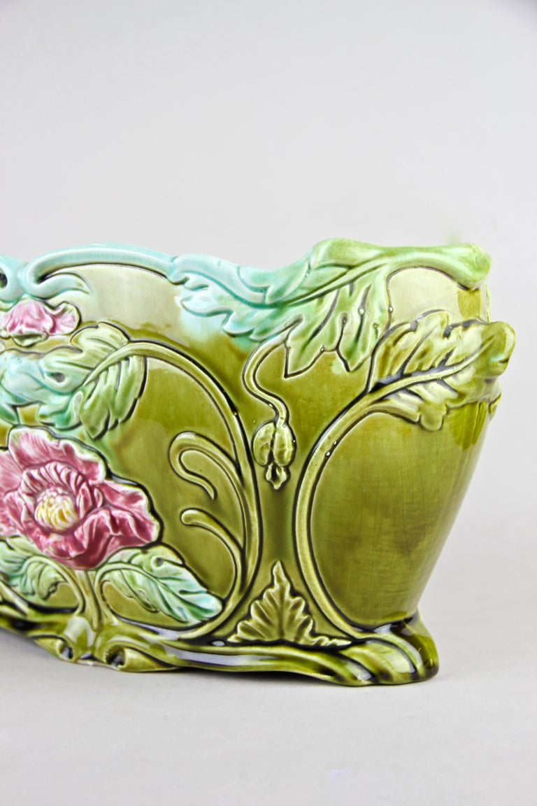 Art Nouveau Planter or Jardinière Floral, France, circa 1910 For Sale 1
