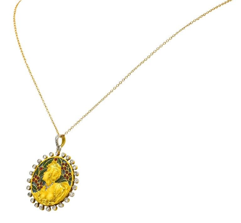 Art Nouveau Plique-à-jour Enamel Diamond Platinum 18 Karat Gold Portrait Pendant In Excellent Condition For Sale In Philadelphia, PA
