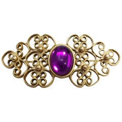 Art Nouveau Purple Cabochon Ornate Pin Brooch in Gold, Early 1900s