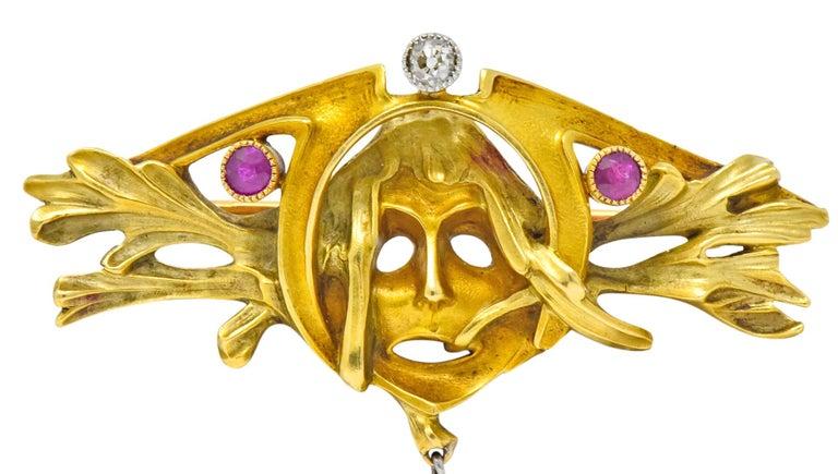 Women's or Men's Art Nouveau Ruby Diamond 18 Karat Two-Tone Gold Green Men's Brooch For Sale