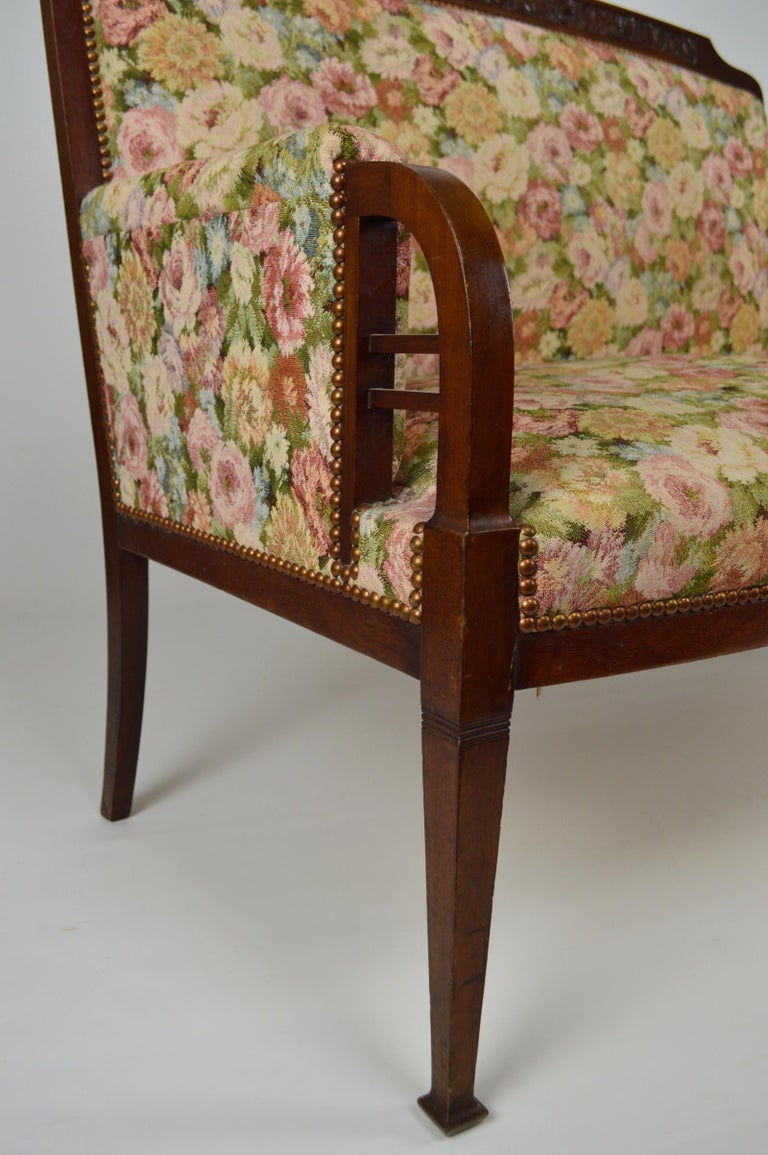 Art Nouveau Salon Set in Carved Mahogany on a Floral Theme, circa 1900 For Sale 4