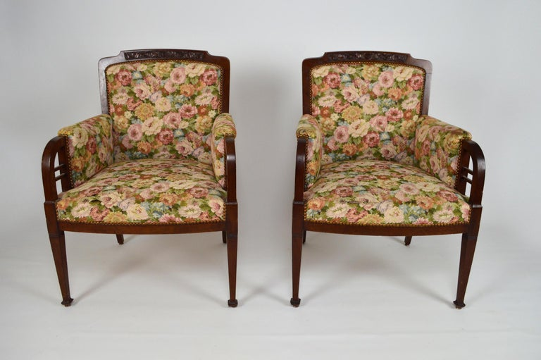 Art Nouveau Salon Set in Carved Mahogany on a Floral Theme, circa 1900 For Sale 6