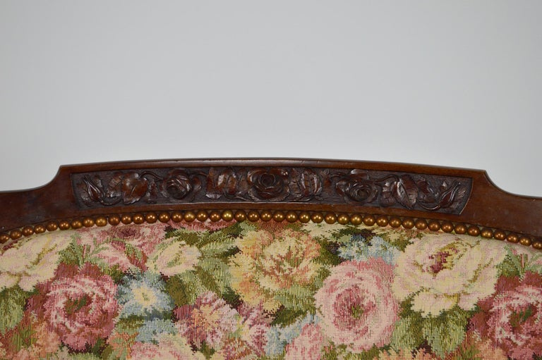 Art Nouveau Salon Set in Carved Mahogany on a Floral Theme, circa 1900 For Sale 12
