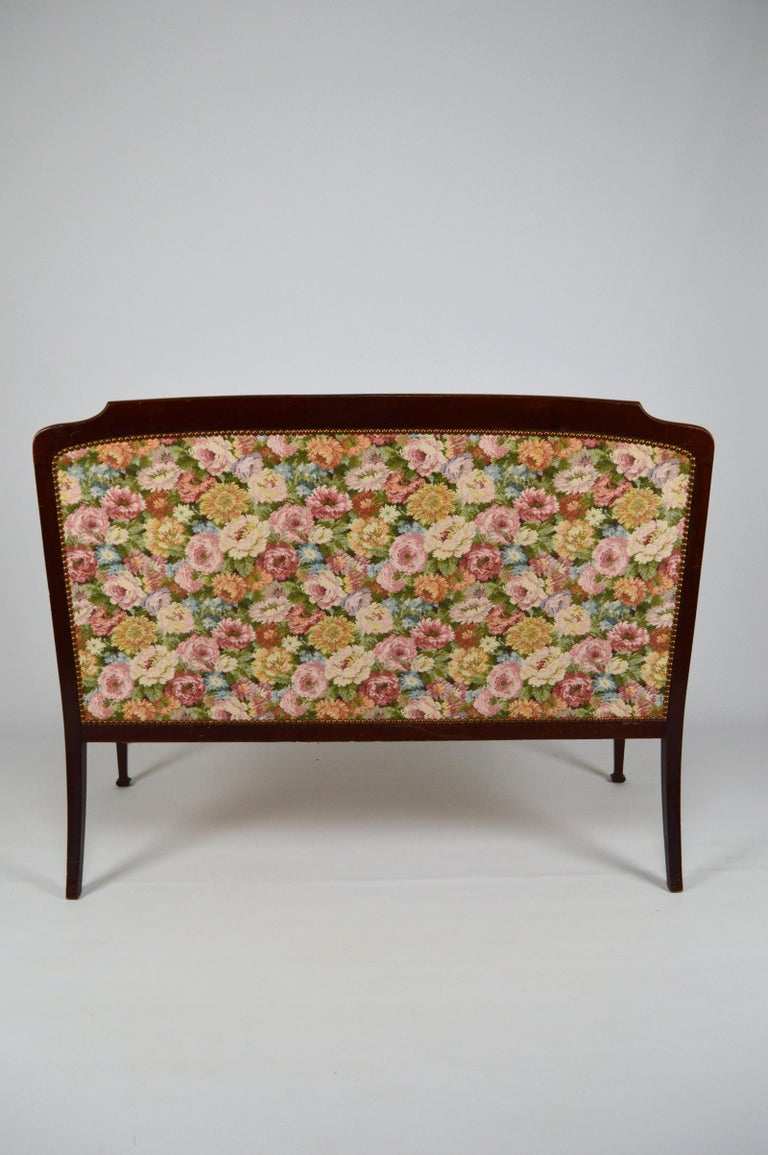 Early 20th Century Art Nouveau Salon Set in Carved Mahogany on a Floral Theme, circa 1900 For Sale