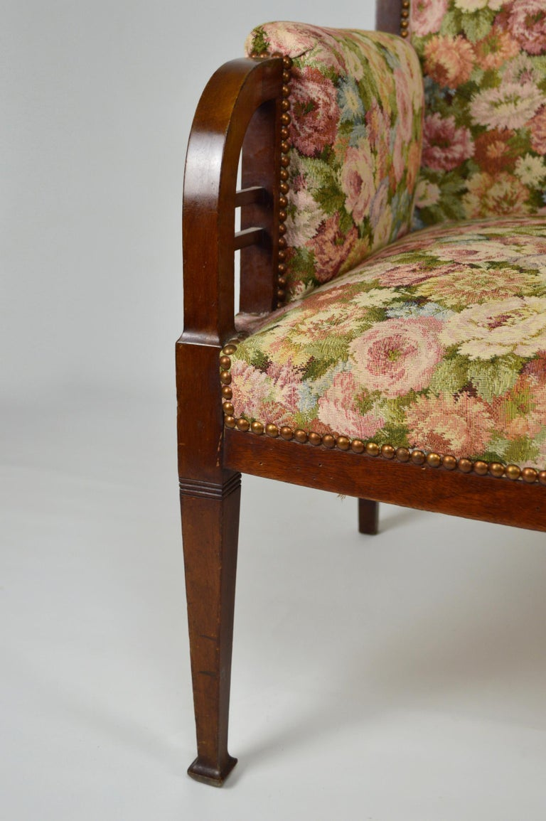 Art Nouveau Salon Set in Carved Mahogany on a Floral Theme, circa 1900 For Sale 2