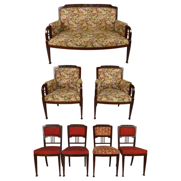 Art Nouveau Salon Set in Carved Mahogany on a Floral Theme, circa 1900 For Sale