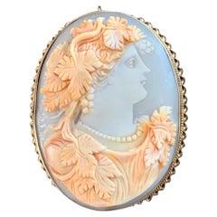 Art Nouveau Shell Cameo 14 Karat Gold Brooch Pendant