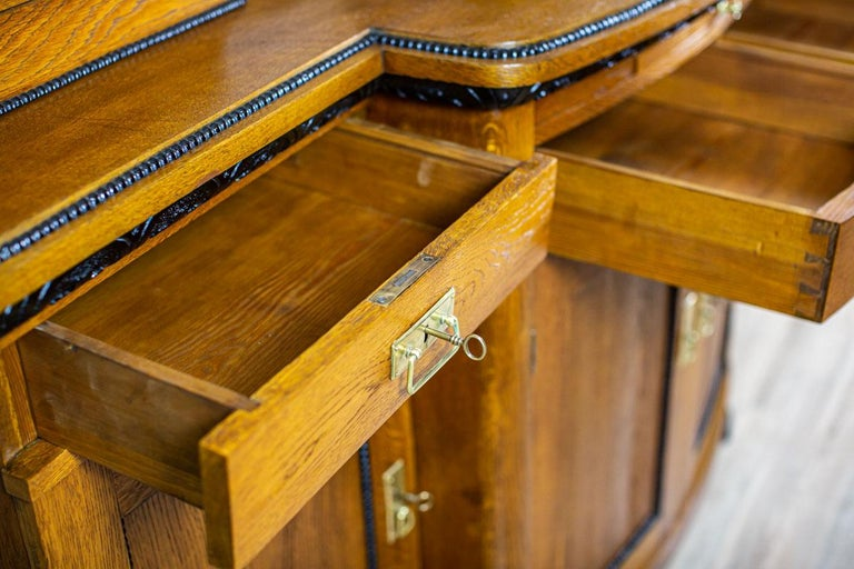 Art Nouveau Sideboard from the Turn of the 19th and 20th Century For Sale 3