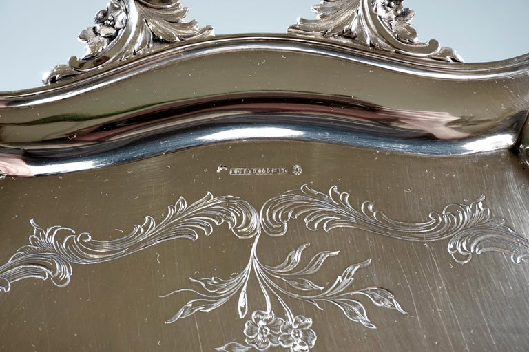 Art Nouveau Silver Tray with a Curved Edge, by J.C. Klinkosch Vienna, ca 1900 In Good Condition For Sale In Vienna, AT
