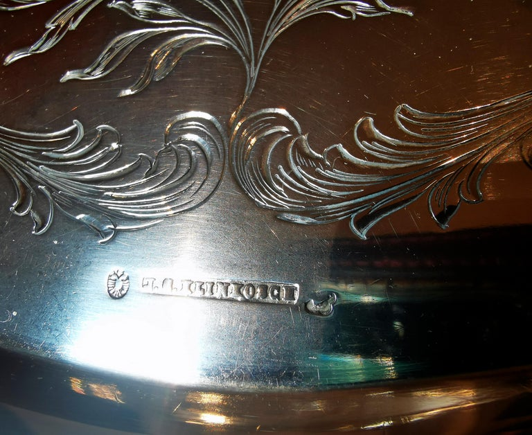 Art Nouveau Silver Tray with a Curved Edge, by J.C. Klinkosch Vienna, ca 1900 For Sale 1