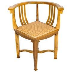 Jugendstil solider Nussbaum Eckstuhl oder Sessel