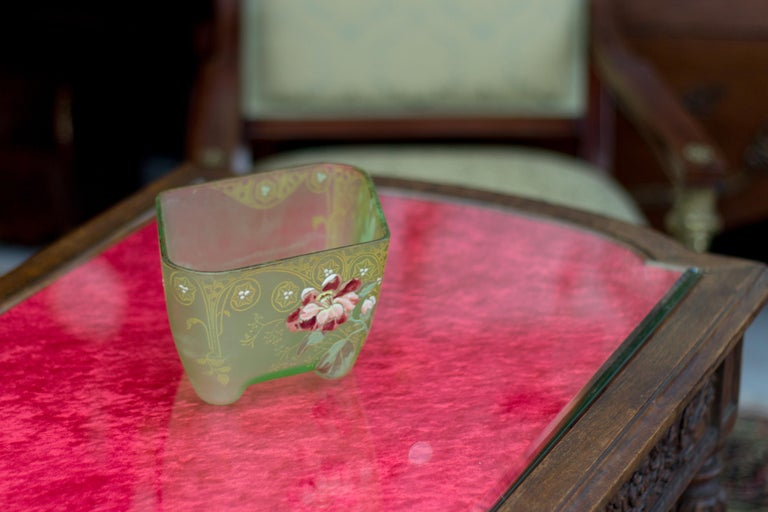 Art Nouveau Square Glass Bowl with Flowers and Ornaments For Sale 5