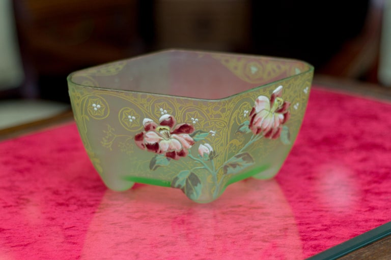 Art Nouveau Square Glass Bowl with Flowers and Ornaments For Sale 7
