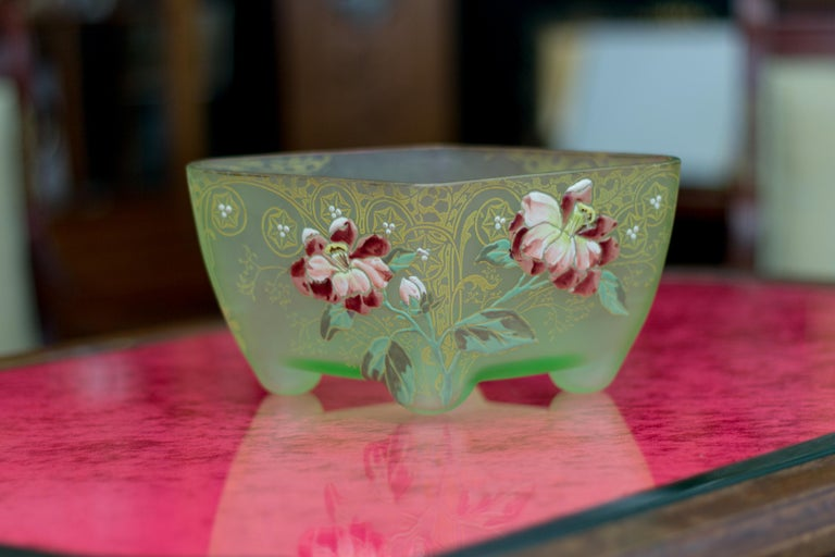 Art Nouveau Square Glass Bowl with Flowers and Ornaments For Sale 9