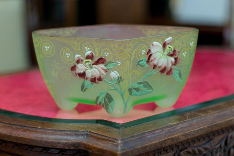 Art Nouveau Square Glass Bowl with Flowers and Ornaments For Sale 10