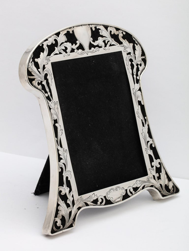 Art Nouveau Sterling Silver-Mounted Picture Frame For Sale 7