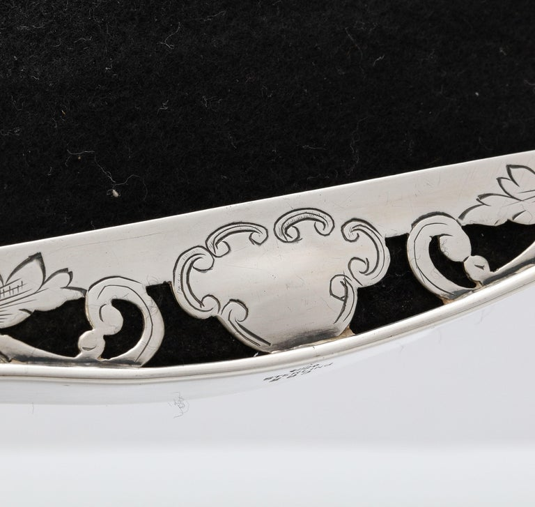 Art Nouveau Sterling Silver-Mounted Picture Frame For Sale 9