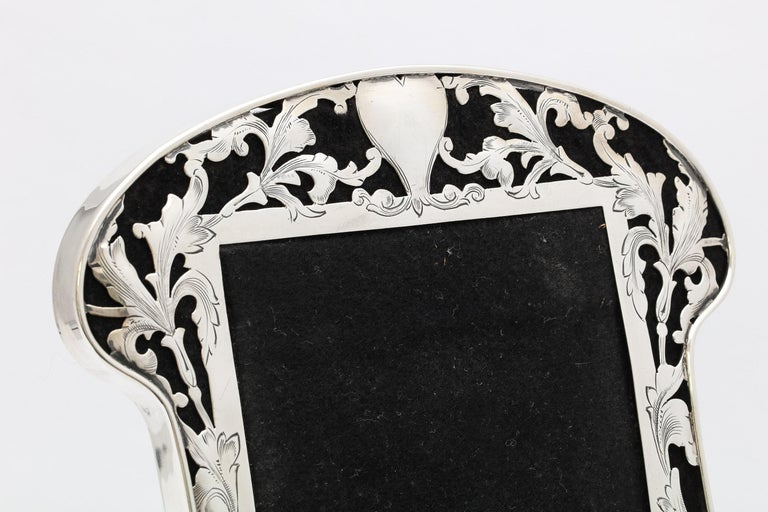 Art Nouveau Sterling Silver-Mounted Picture Frame For Sale 10