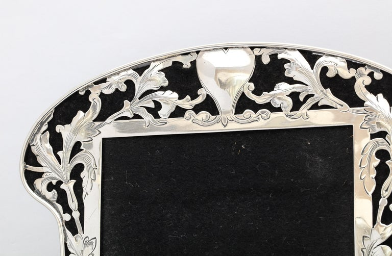 Art Nouveau Sterling Silver-Mounted Picture Frame For Sale 1