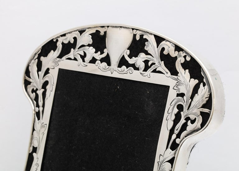 Art Nouveau Sterling Silver-Mounted Picture Frame For Sale 3