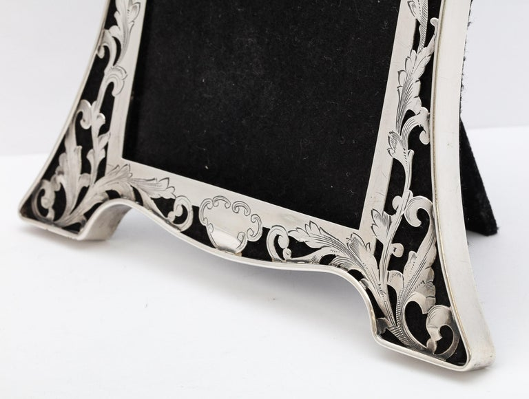 Art Nouveau Sterling Silver-Mounted Picture Frame For Sale 4