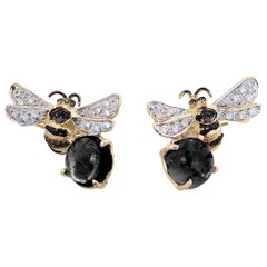 18 Karat Gold Onyx 0.16 Karat White 0.18 Karat Black Diamond Bees Stud Earrings