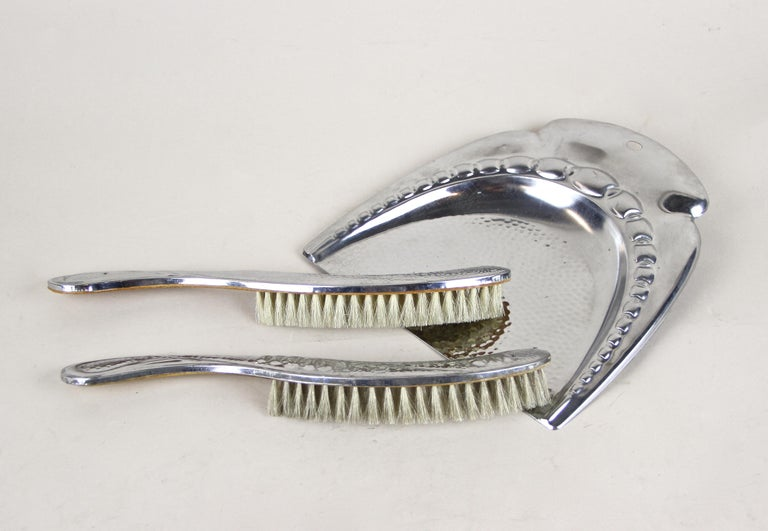 Art Nouveau Table Dust Pan and Brush Set, Nickel Plated, Austria, circa 1915 For Sale 8