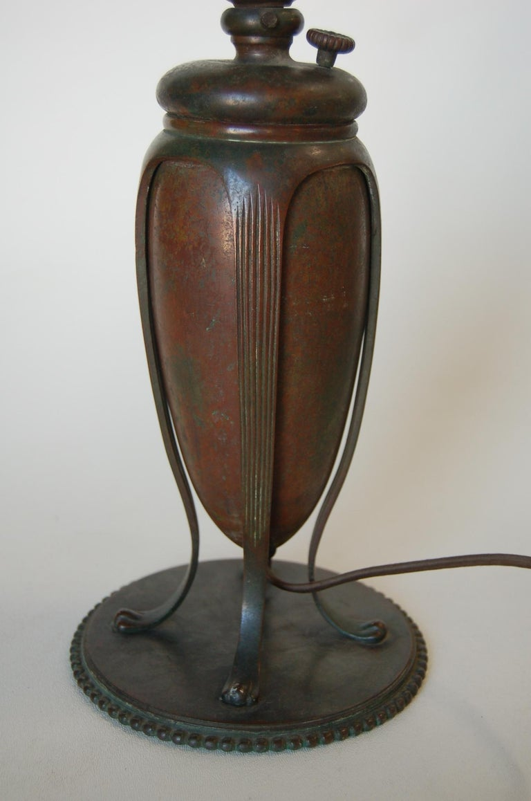 Art Nouveau Tiffany Bronze Table Lamp In Excellent Condition For Sale In Van Nuys, CA