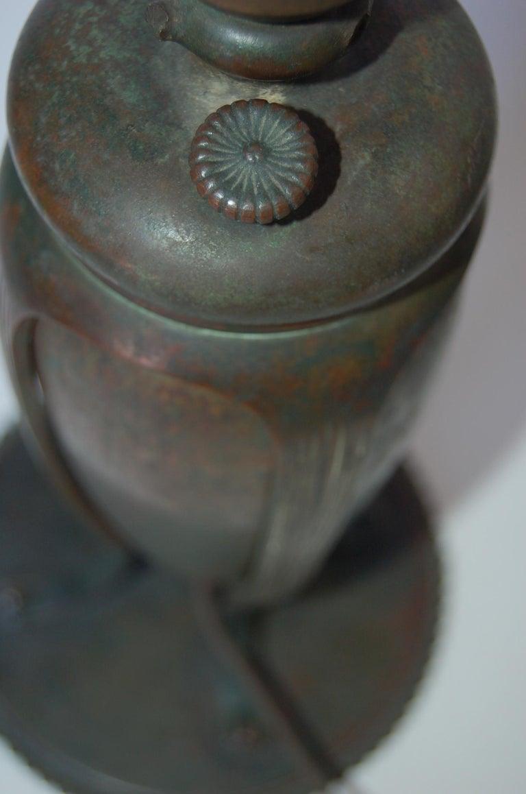 Art Nouveau Tiffany Bronze Table Lamp For Sale 1