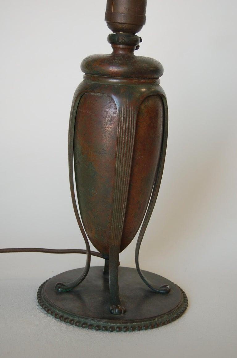 Art Nouveau Tiffany Bronze Table Lamp For Sale 3