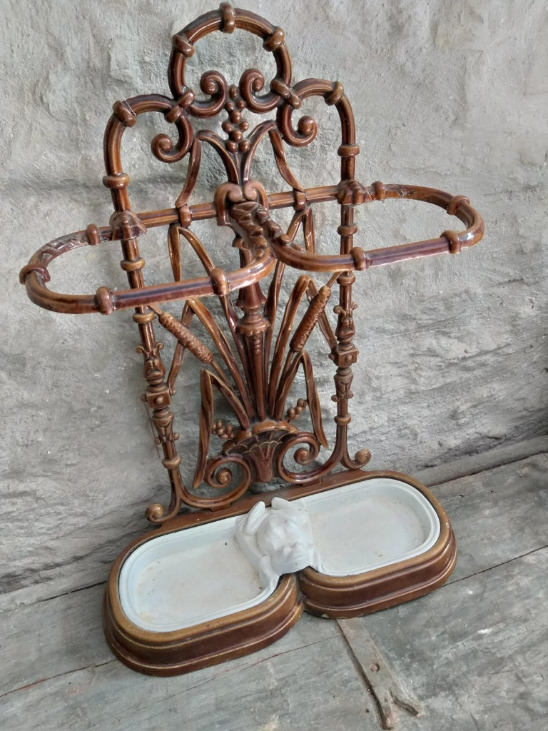 ART NOUVEAU Umbrella Stand  In Good Condition For Sale In Gembloux, BE