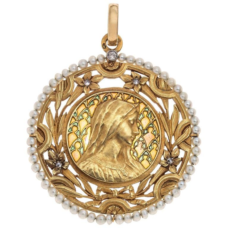 Art Nouveau Virgin Mary Pendant Plique À Jour Enamel 18 Karat Gold Pearls France For Sale