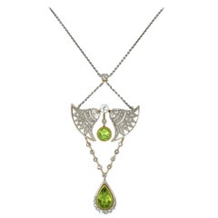 Art Nouveau Yellow Gold and Platinum Necklace with Peridots and Diamonds