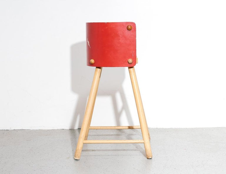 Artek '616' High Chair In Good Condition For Sale In Brooklyn, NY