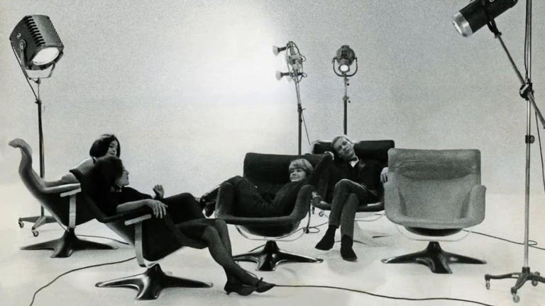 Finnish Artek Karuselli Lounge Chair and Ottoman in Black Leather By Yrjö Kukkapuro For Sale